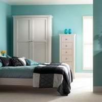 красивый стиль спальни в бирюзовом цвете картинка