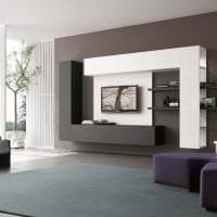 яркий дизайн гостиной в стиле хай тек фото