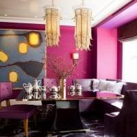 яркий стиль гостиной в цвете фуксия фото