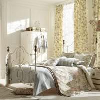 яркий дизайн спальни в стиле шебби шик фото