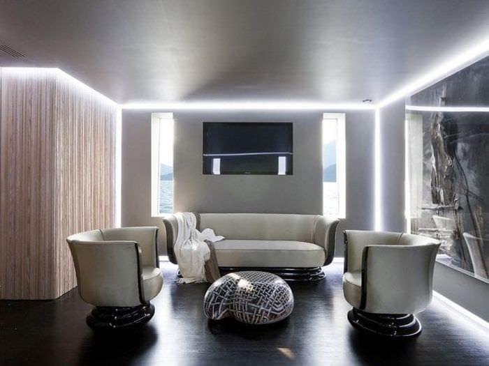 яркий декор спальни в стиле хай тек