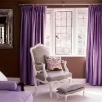 светлый декор спальни в цвете фуксия фото