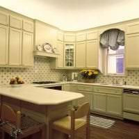 светлый фартук из плитки маленького формата с изображением в стиле кухни картинка