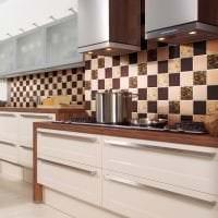 светлый фартук из плитки большого формата с изображением в стиле кухни картинка