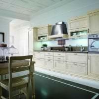 светлый интерьер бежевой кухни в стиле шебби шик фото