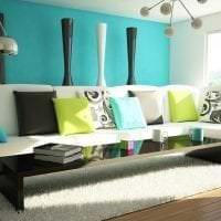 яркий стиль гостиной в цвете фуксия картинка