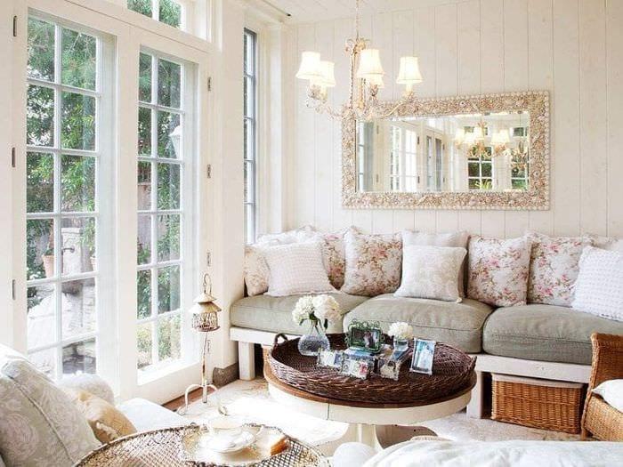 красивый интерьер прихожей в французском стиле
