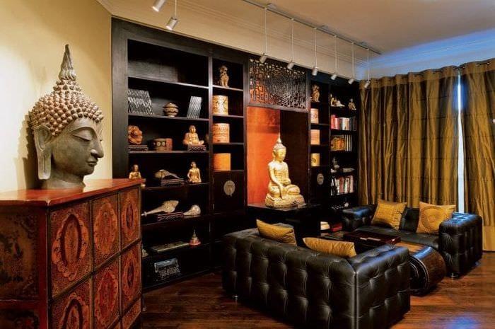 яркий дизайн гостиной в этническом стиле