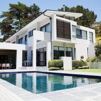 светлый декор загородного дома в архитектурном стиле фото