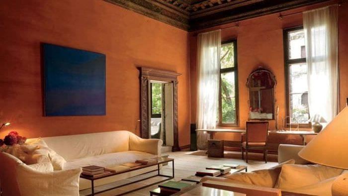 светлый терракотовый цвет в дизайне коридора