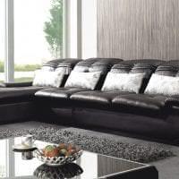 светлый угловой диван в стиле спальни картинка