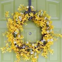 красивый весенний декор в дизайне коридора картинка