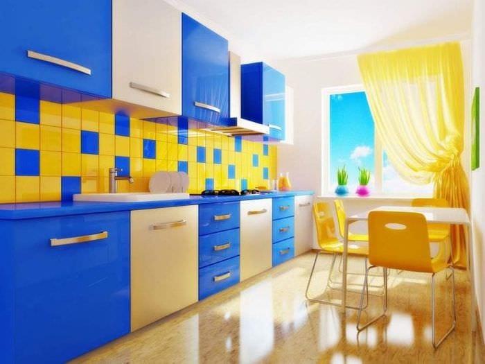 яркая кухня комната дизайн