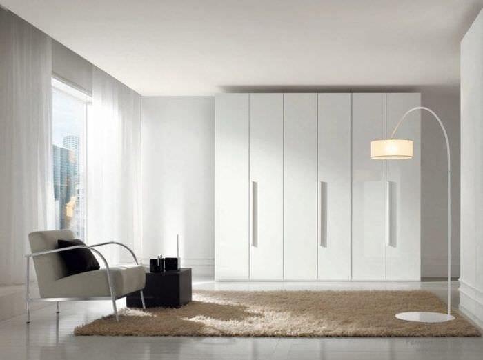 встроенный шкаф в стиле прихожей