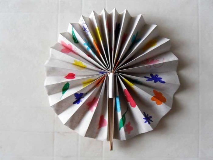 веер бумажный в дизайн гостевой