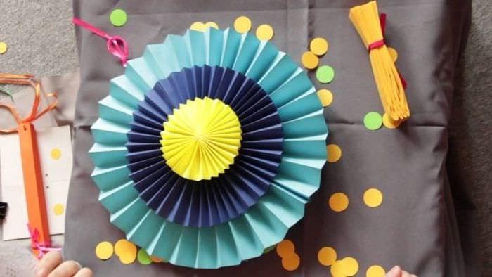 веер из бумаги в дизайн коридора