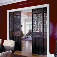 яркие двери в дизайне кухни фото