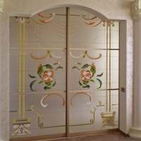 темные двери в дизайне кухни фото
