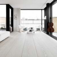 яркий белый пол в дизайне квартиры фото