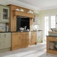 светлый дизайн бежевой кухни в стиле классика картинка