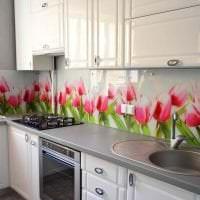 светлый фартук из плитки большого формата с изображением в стиле кухни фото
