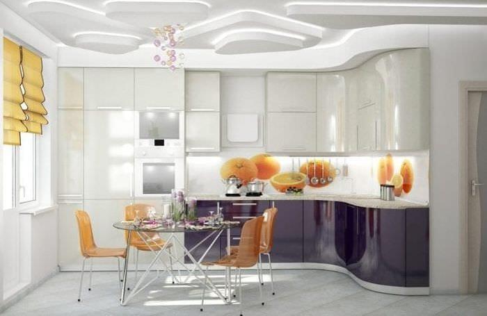 красивый стиль белой кухни с оттенком бежевого