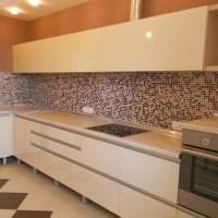 красивый дизайн бежевой кухни в стиле кантри картинка