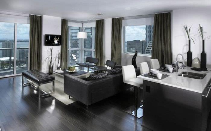яркий декор гостиной в стиле хай тек