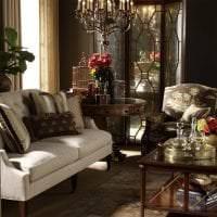 светлый декор гостиной в шоколадном цвете фото
