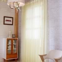 яркий шелковый тюль в интерьере коридора фото