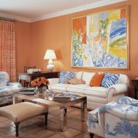 приятный терракотовый цвет в дизайне коридора картинка