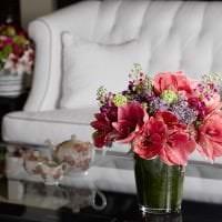 искусственные цветы в стиле прихожей фото
