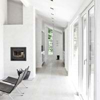 белые стены в дизайне прихожей в стиле скандинавия картинка
