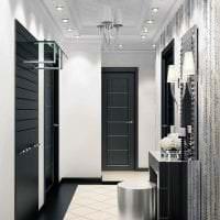 белые стены в декоре прихожей в стиле минимализм фото