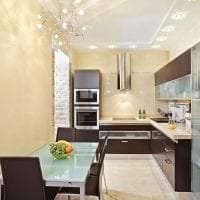 большой холодильник в стиле кухни в черном цвете фото
