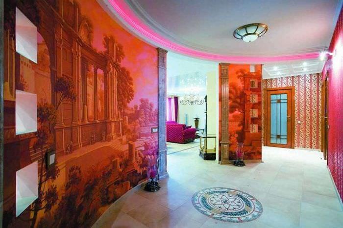 фрески в интерьере гостиной с рисунком пейзажа