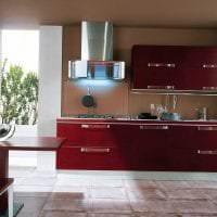 сочетание красного с другими цветами в дизайне гостиной фото