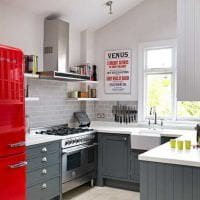 сочетание красного с другими цветами в декоре квартиры фото