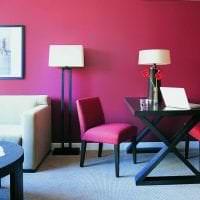 красивый бордовый цвет в декоре кухни картинка