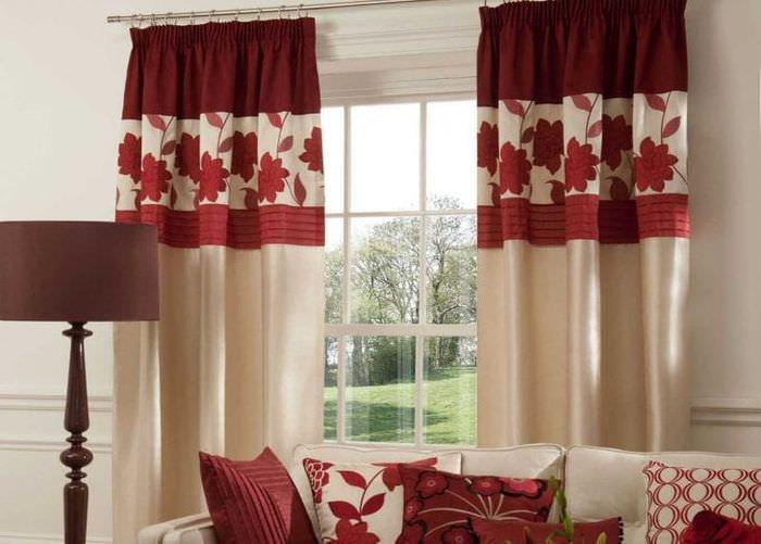 насыщенный бордовый цвет в интерьере гостиной