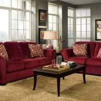 насыщенный бордовый цвет в стиле гостиной картинка