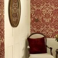 насыщенный бордовый цвет в дизайне спальни фото