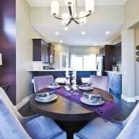 необычный дизайн коридора в фиолетовом цвете картинка