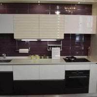 светлый декор кухни в фиолетовом цвете картинка