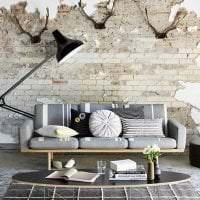 светлый интерьер гостиной в стиле гранж фото