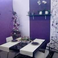 яркий декор кухни в фиолетовом цвете фото