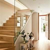 отражающее стекло в стиле гостиной картинка