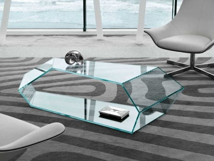 отражающее стекло в интерьере прихожей