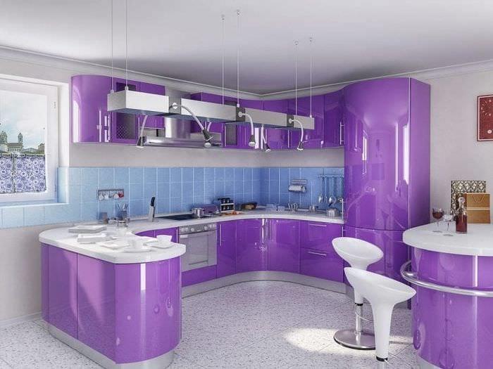 красивый дизайн кухни в фиолетовом цвете