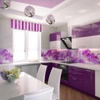 красивый дизайн кухни в фиолетовом оттенке фото